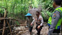 Melihat Jembatan Ambruk di Bojonegoro yang Diterjang Banjir
