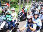 Video Saat Prabowo Naik Ojek Online di Sentul