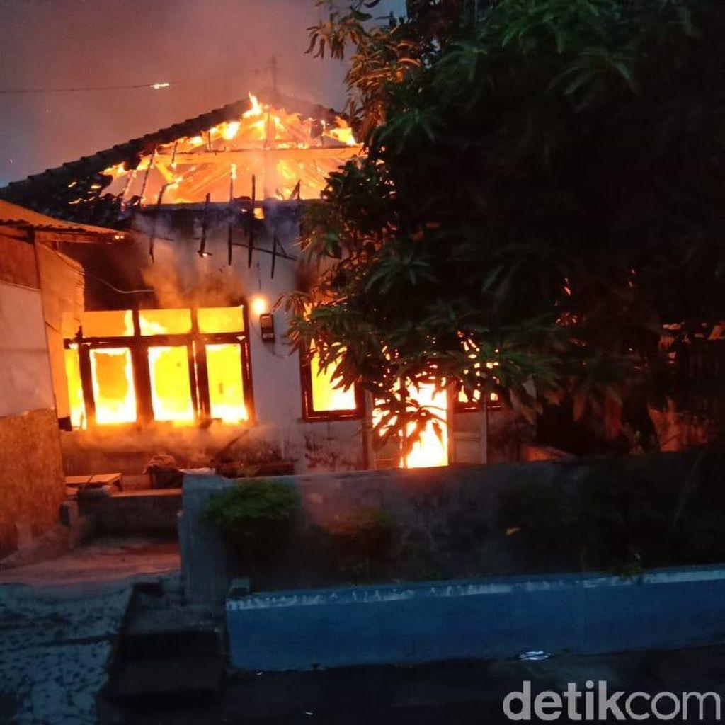 Kompor Lupa Dimatikan, Rumah Kos di Kediri Ludes Terbakar