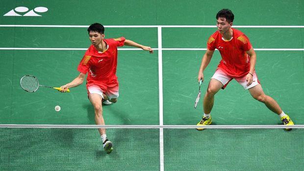 Han Chengkai/Zhao Haodong unggul 2-1 atas Kevin/Marcus.