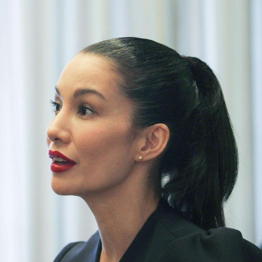 Tonton Wawancara Eksklusif Nadya Hutagalung di Sini