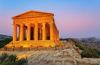 Agrigento, bangunan-bangunannya bergaya Yunani kuno (iStock)