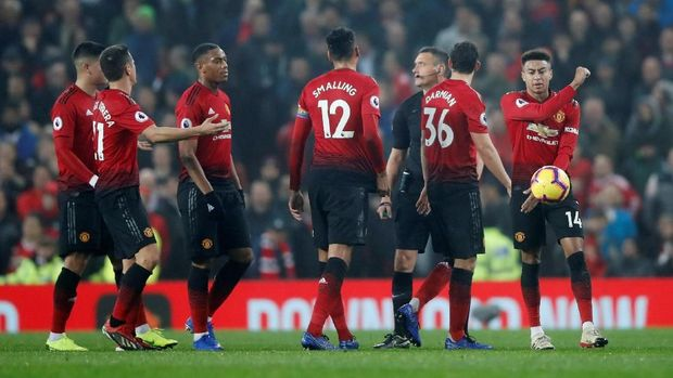 Manchester United butuh suntikan kepercayaan diri di tangan manajer baru nanti.