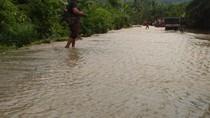 Ratusan Rumah di Mamuju Tengah Sulbar Terendam Banjir 1 Meter