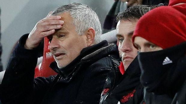 Jose Mourinho dipecat MU pada Selasa (18/12). Selama melatih, ia merebut dua gelar bersama Setan Merah.