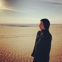 Evangeline Lilly berhijab di Doha, Qatar.