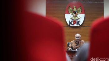 Potret KPK Umumkan Korupsi Proyek Infrastruktur Lawas