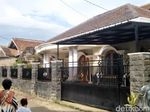 KPK Datangi Rumah Kadis dan Kabid SMP Disdikbud Cianjur