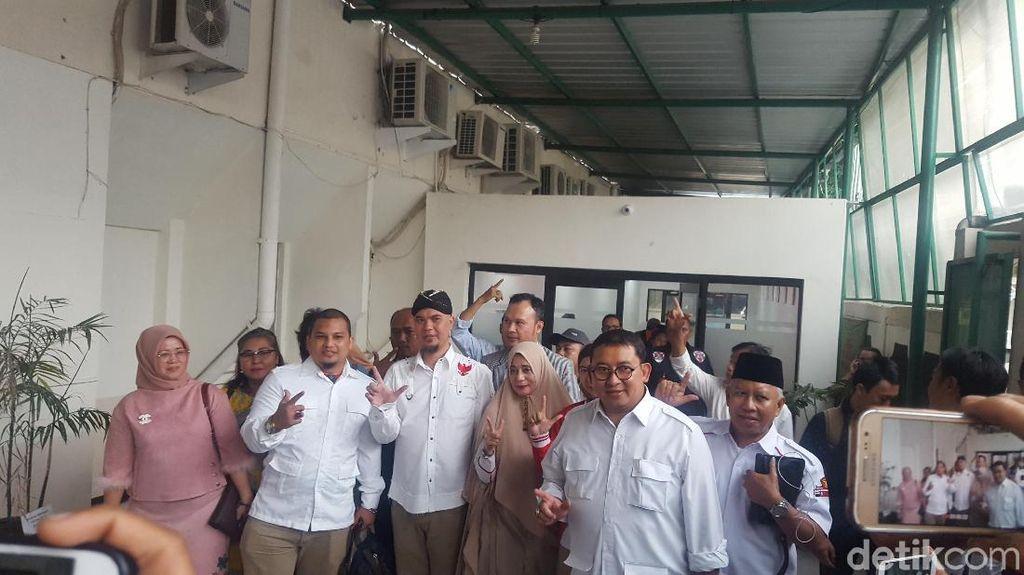 Sambangi Pengadilan, Ahmad Dhani Didampingi Mulan dan Fadli Zon