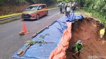 Longsor di Jalur Ciamis-Cirebon, Warga Buka Tutup Arus Lalin