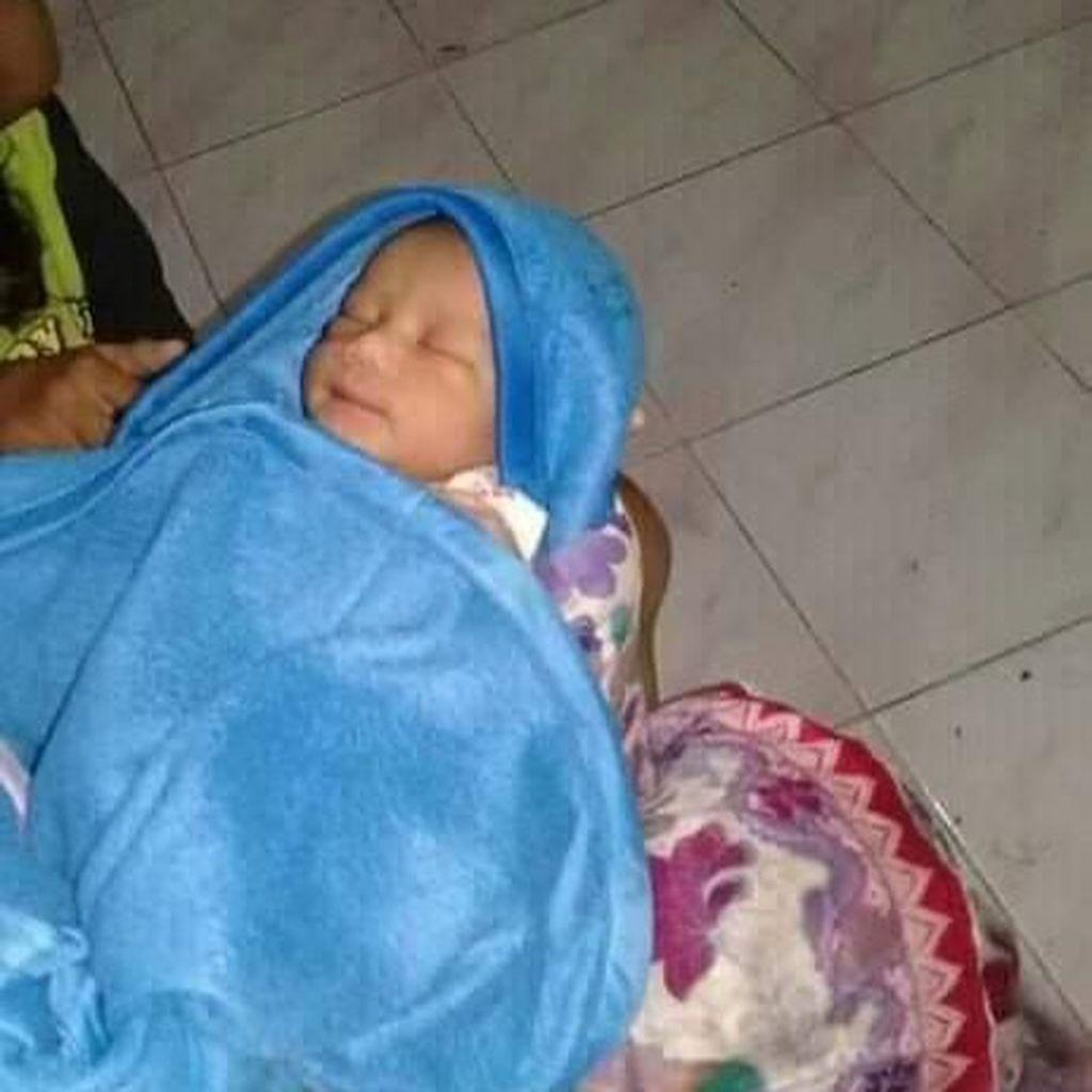 Sungguh Sampai Hati, Sesosok Bayi Laki-laki Lucu Dibuang di Bantul