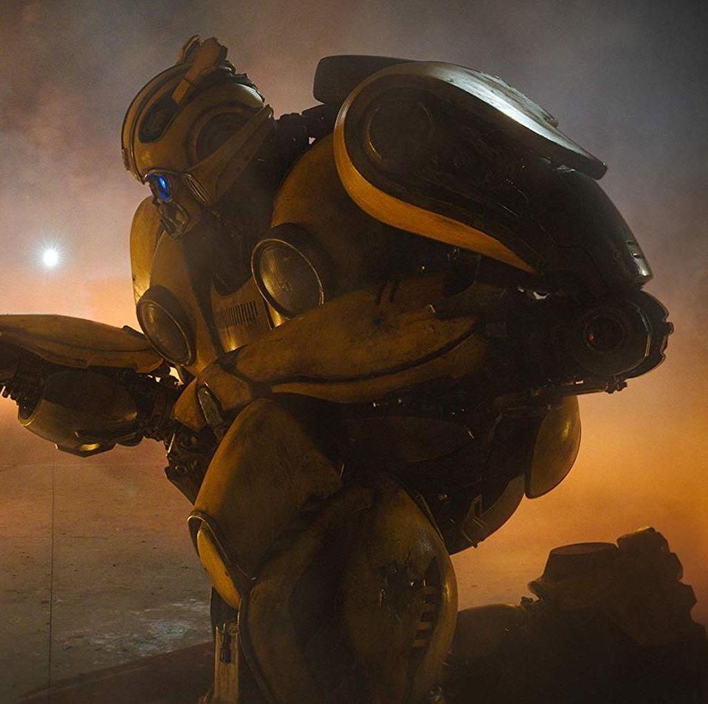 Travis Knight Ingin Lihat Transformers di Cybertron