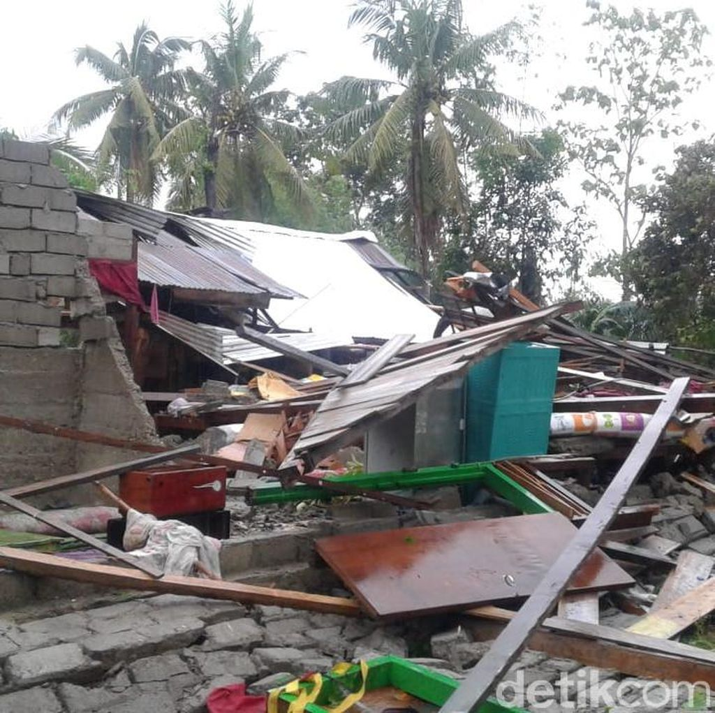 Puluhan Rumah di Pulau Buru Rusak Diterpa Angin Kencang