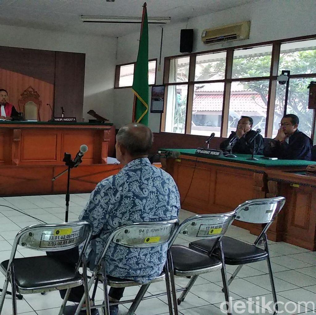 Eks Bupati Bandung Barat Abubakar Divonis 5,5 Tahun Bui