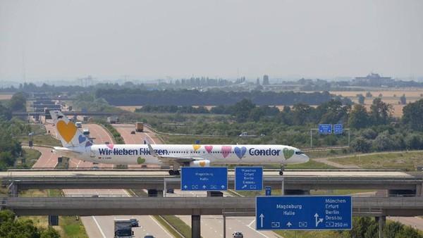 Atmosfair tidak memasukkan maskapai bujet, karena sering mendapat subsidi. Condor Flugdienst dengan nilai 71,8 ada di peringkat kesembilan (Condor Airlines/Facebook)