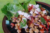 Menu Natal : Yang Lezat dan Sehat, Salad hingga Salmon Panggang Lada Hitam