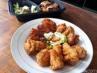 Yuk, Cicip Chikin Korea dan Nasi Goreng Kimchi Enak di Sini!