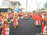 Peringati Hari Jadi, Warga Banyuwangi Ikut Napak Tilas Puputan Bayu