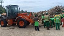 Semua Bersatu Bersihkan Sampah di Pantai Bali!