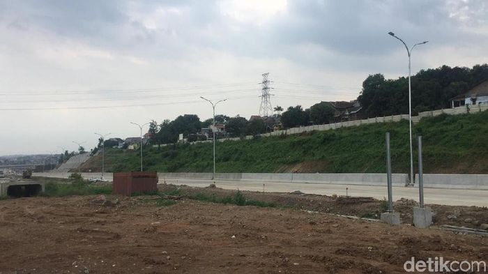 Ilustrasi Jalan Tol. Foto: Angling Adhitya Purbaya/detikcom