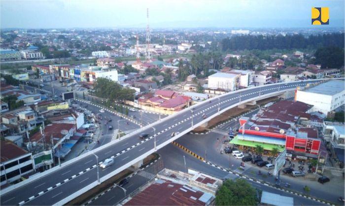 Flyover Simpang Surabaya memiliki panjang 881 dan lebar 16,5 meter untuk 4 lajur 2 arah. Pool/Kementerian PUPR.