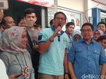 Soal Salam Dua Jari Anies, Sandi: Silakan Masyarakat yang Menilai