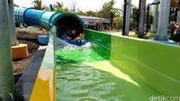 Seru Abis! Meluncur 60 Km per Jam di Waterpark Keren Ini