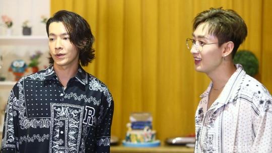 D & E Super Junior Sebut Jokowi hingga Dira Sugandi