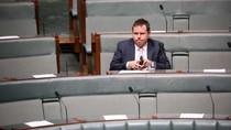 Menteri Australia yang Kencani Wanita di Hong Kong Mundur dari Politik