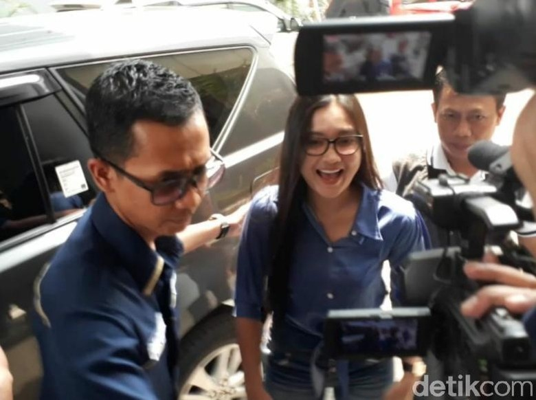 Diperiksa di Polda Jatim, Nella Kharisma Akui Tak Ganggu Manggung