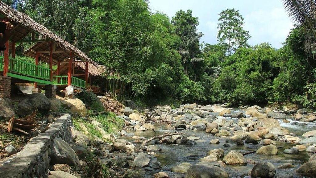 Liburan Santai Akhir Tahun di Kali Biru Polewali Mandar
