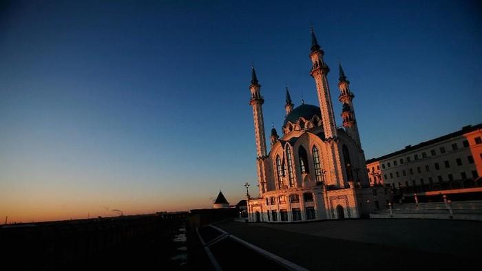 Masjid sebagai tempat ibadah dibangun tak hanya indah namun juga bersih dan nyaman. Inilah 10 Masjid Terindah yang ada di dunia. Penasaran?