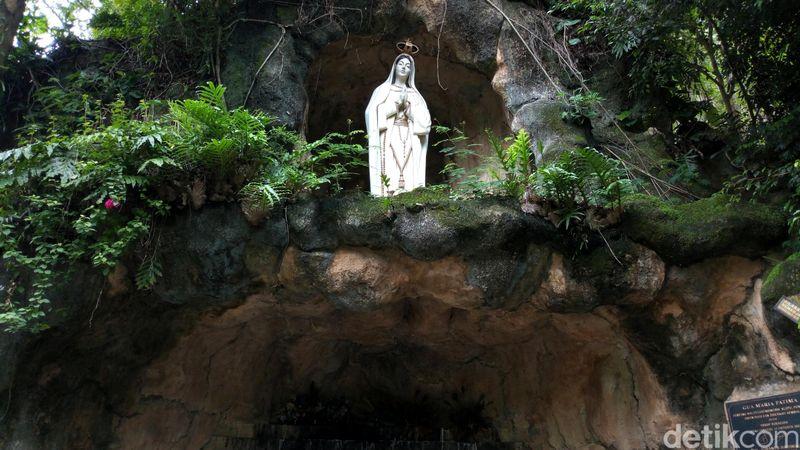 Inilah Gua Maria Fatima Sendang Waluyo Jatiningsih di Ponorogo. Destinasi wisata religi ini cocok dikunjungi umat Nasrani saat Natal. (Charolin Pebrianti/detikTravel)