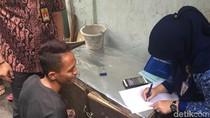 Para Penghuni Gang Sempit di Jakbar yang Ditagih Pajak Mobil Mewah