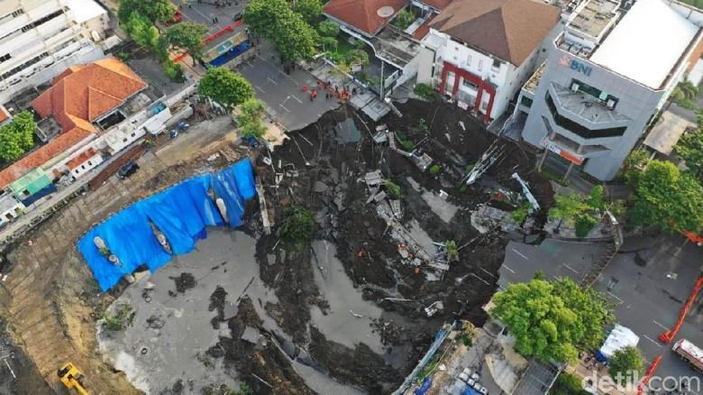 PT NKE Keberatan Tanggung Jawab Sendirian Atas Amblesnya Jalan Gubeng
