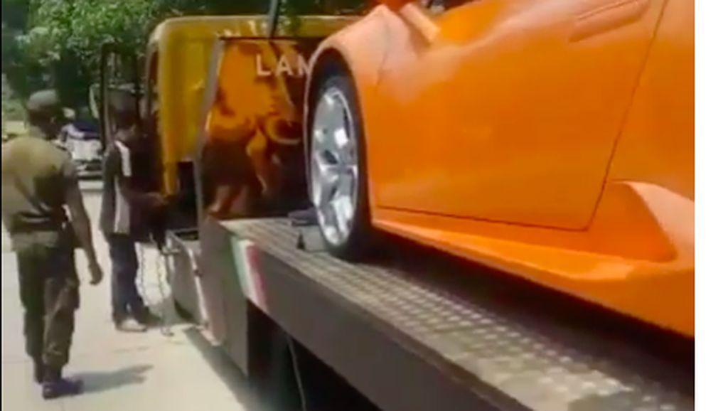 Ban Lamborghini Hotman Paris Sobek, Rp 5 Juta Buat Avanza Baru