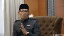 Ridwan Kamil Gulirkan Sampah Jadi Emas di Pangandaran