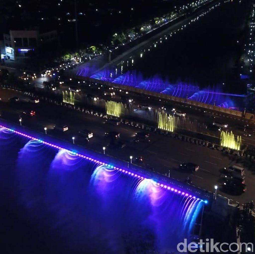 Ayo Liburan! Semarang punya Air Mancur Mirip di Korsel