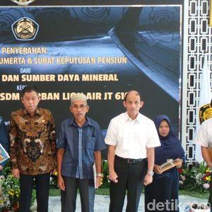 Jonan Naikkan Pangkat PNS ESDM Korban Lion Air Jatuh