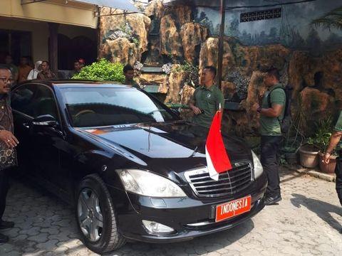 Jokowi Gonta Ganti Mobil RI-1 dan Mobil Kampanye di Jatim