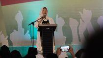 Keliling Jatim, Yenny Wahid Pakai Baju Tulisan Arab Pegon Tetap Jokowi