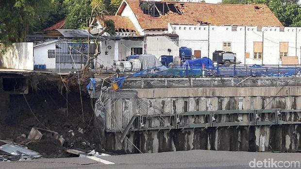 Kesalahan Proyek RS Berujung Amblesnya Jalan Gubeng di Surabaya