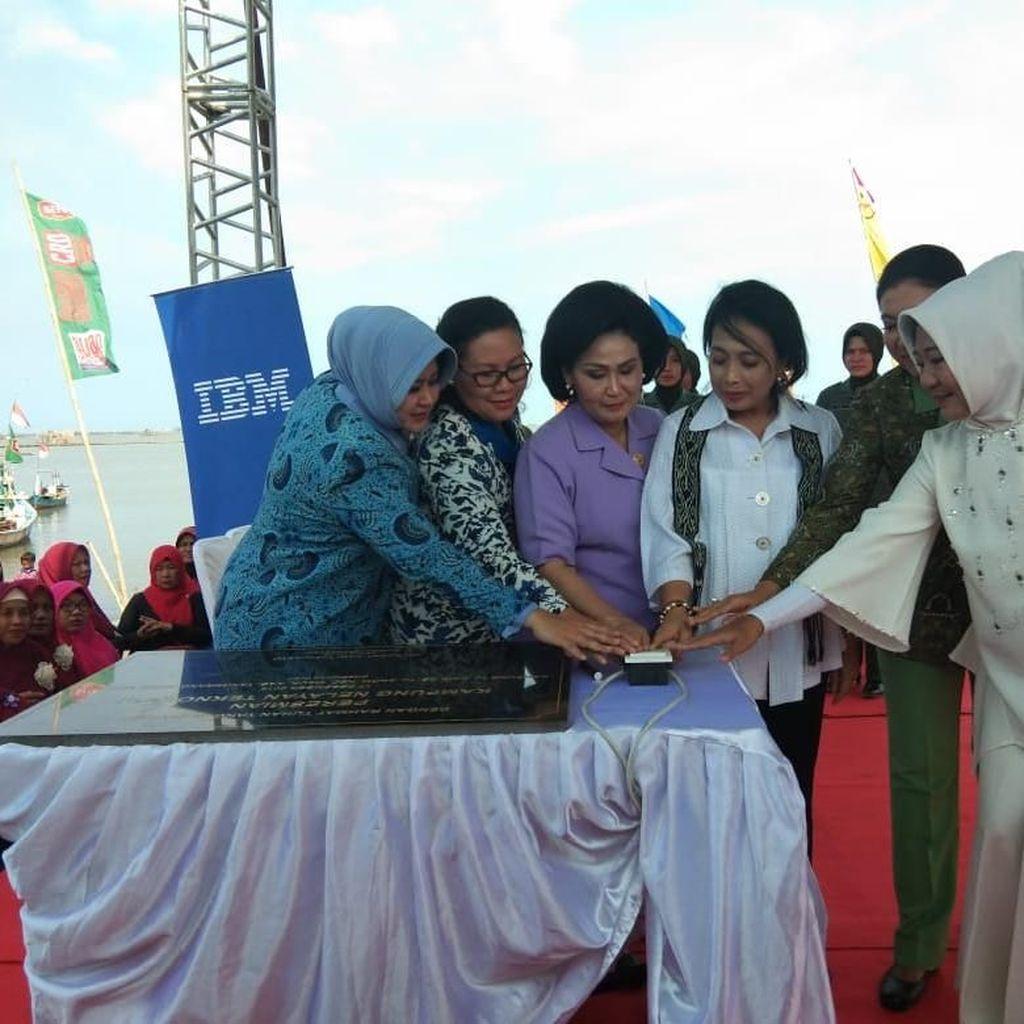 Dharma Pertiwi TNI Peringati Hari Ibu Lewat Baksos