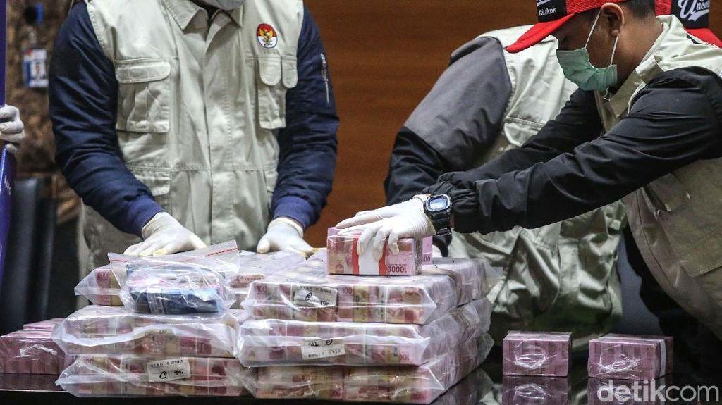 Tukar Uang Miliaran ke Pecahan Rp 20.000 Harus Tunggu Seminggu