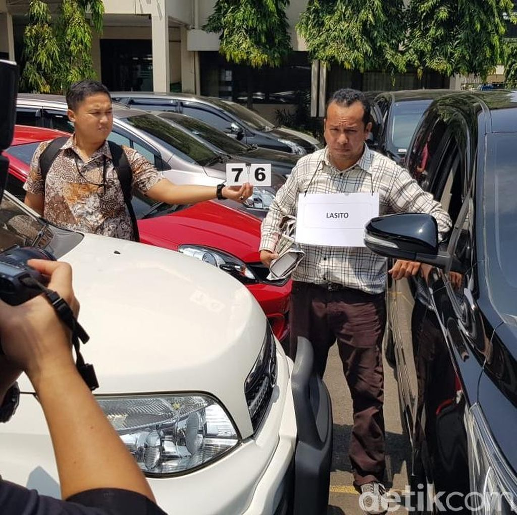 KPK Reka Ulang Adegan Suap Bupati Jepara ke Hakim Semarang