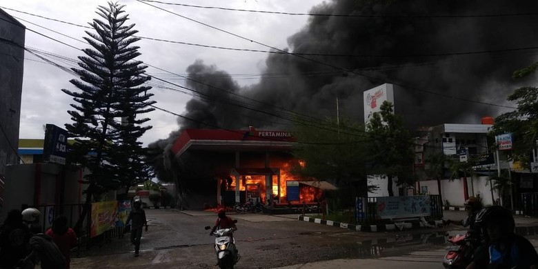Ilustrasi SPBU terbakar di Makassar Foto: SPBU terbakar