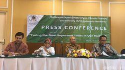 Emil Salim Khawatir Perubahan Iklim Mengancam Indonesia