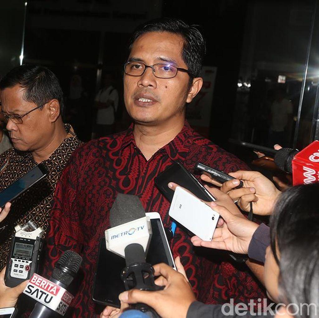 KPK Usut Sumber Duit Pembelian 3 Mobil yang Disita di TPPU Bupati Mojokerto