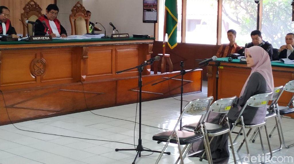 Fahmi Kesal Inneke Dicecar Hakim soal Intensitas Penggunaan Bilik Asmara