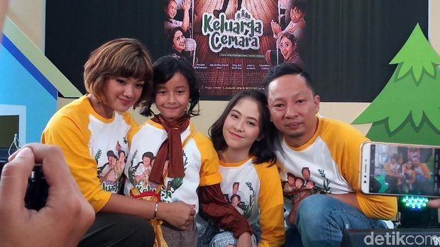 Film Keluarga Cemara.